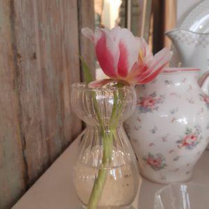 Vase geriffelt