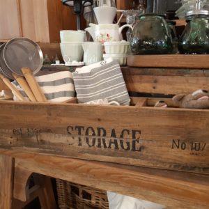 Holz und Kleinmöbel