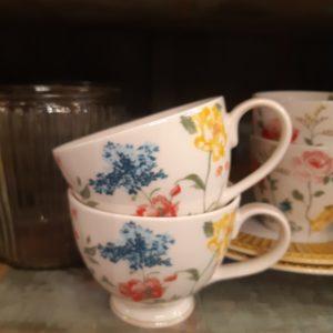 Stoneware Teacup Thilde white