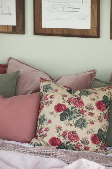 Kissenbezug beige mit großen Rosen - 50x50