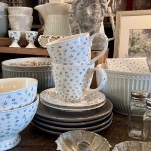 Stoneware Mug Ellise white